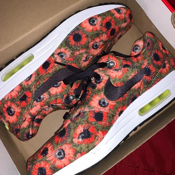 Nike Shoes | Nike Air Max Premium Solar